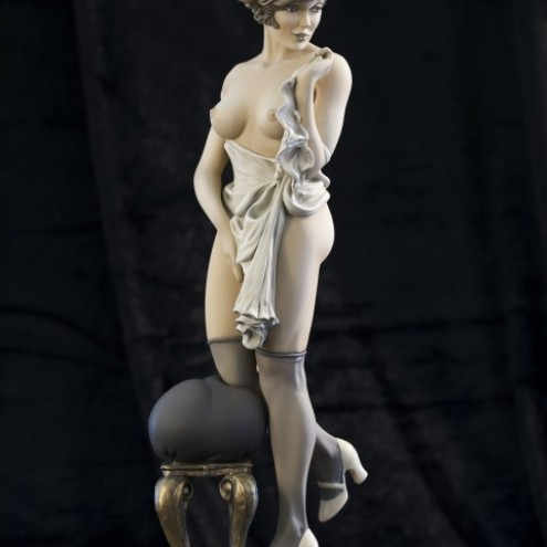 The statue of Mona Street UL sepiacolouration - 2