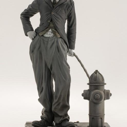Statua del personaggio del Vagabondo di Charlie Chaplin - 2