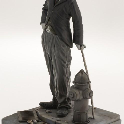 Statua del personaggio del Vagabondo di Charlie Chaplin - 3