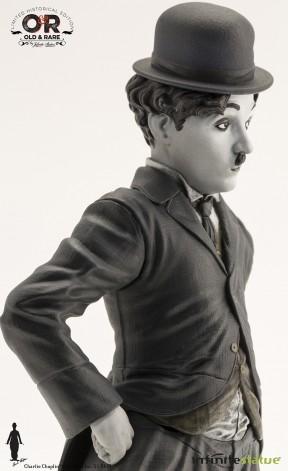 Statua del personaggio del Vagabondo di Charlie Chaplin - 5