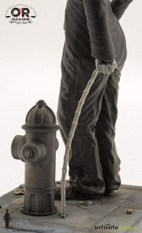 Statua del personaggio del Vagabondo di Charlie Chaplin - 6