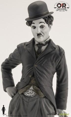 Statua del personaggio del Vagabondo di Charlie Chaplin - 8