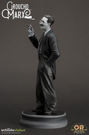 Statua di Groucho Marx un gigante della risata - 2