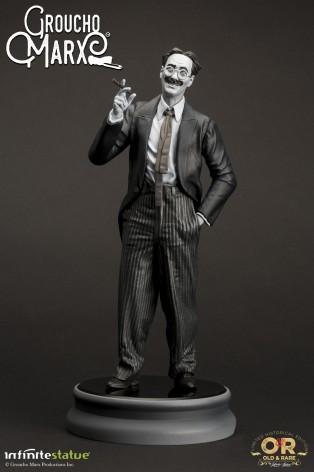 Statua di Groucho Marx un gigante della risata - 3