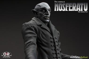 The coming of Nosferatustatua in formato 1:4 con diorama - 8