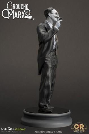 Statua di Groucho Marx un gigante della risata - 9