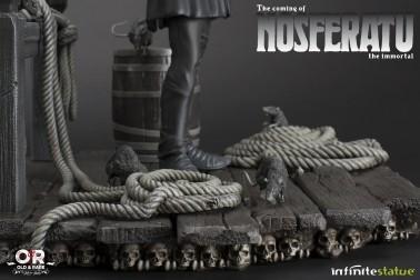 The coming of Nosferatustatua in formato 1:4 con diorama - 11