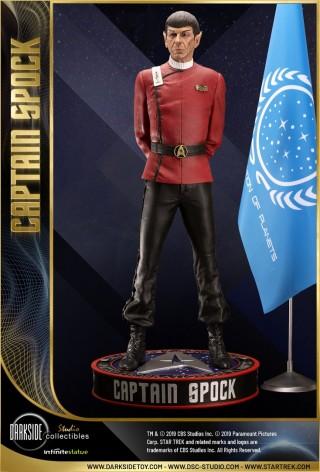 Leonard Nimoy nei panni celebre Capitano Spock - statua-4