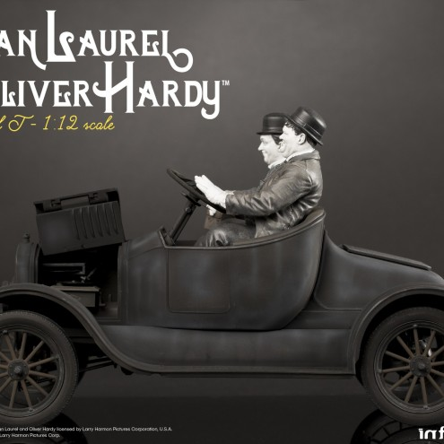 Laurel & Hardy on Ford Model T 1:12 scale resin statue - 3
