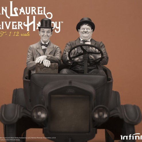 Laurel & Hardy on Ford Model T 1:12 scale resin statue - 9