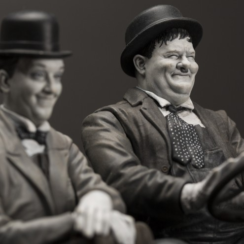 Laurel & Hardy on Ford Model T 1:12 scale resin statue - 21