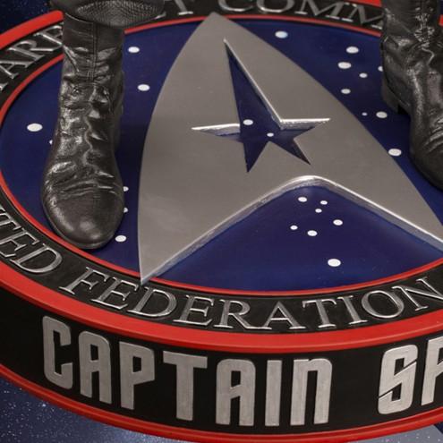 Leonard Nimoy nei panni celebre Capitano Spock - statua-19