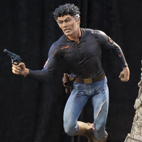 A unique statue without antecedents of Mister No - 12