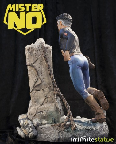 A unique statue without antecedents of Mister No - 2