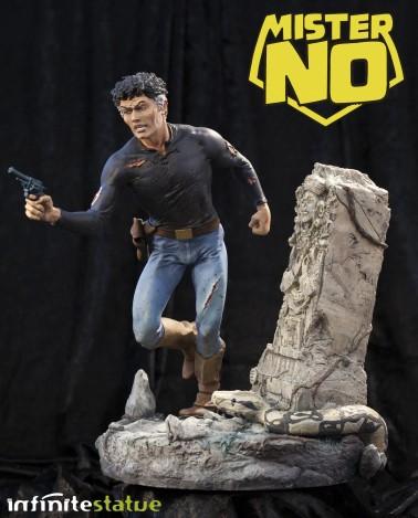 A unique statue without antecedents of Mister No - 3
