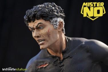 A unique statue without antecedents of Mister No - 4