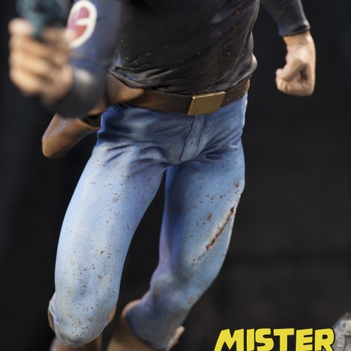 A unique statue without antecedents of Mister No - 9