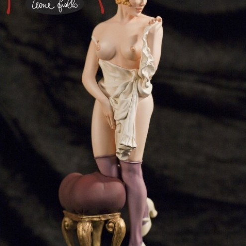 The statue of Mona Street a richly-detailed model - 2